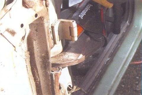 доступ к ногам пострадавшего в ДТП