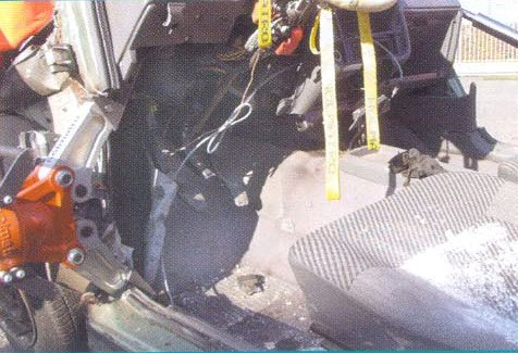 деблокирование пострадавшего из автомобиля