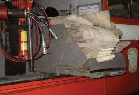 Пенал на пожарном автомобиле АЦ-3,0-40 (43206) выдвинут