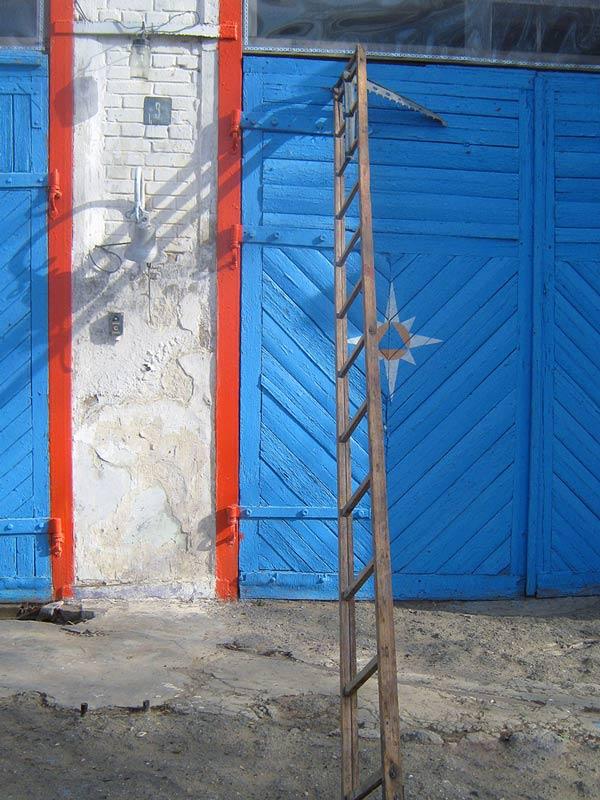 Лестница штурмовая (лестница-штурмовка) деревянная