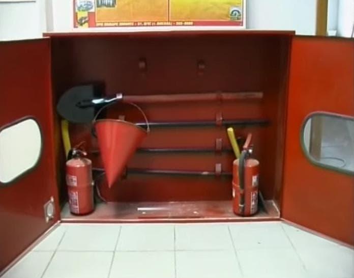 Первичные средства пожаротушения в школе
