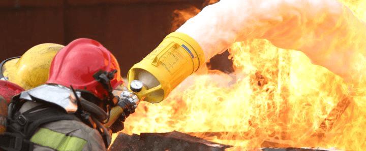 Тушение пожаров пеной