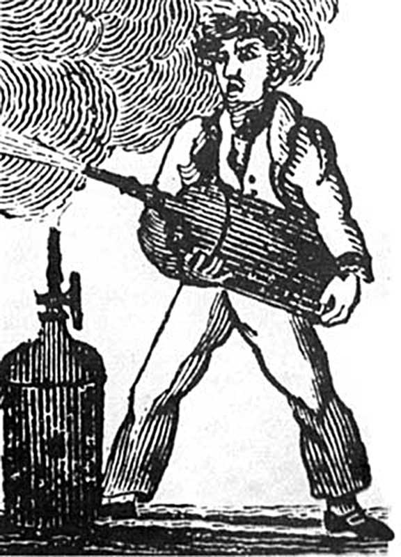 Тушение огнетушителем Джорджа Мэнби