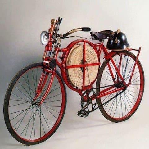 Год 1905 велосипед пожарных Британии