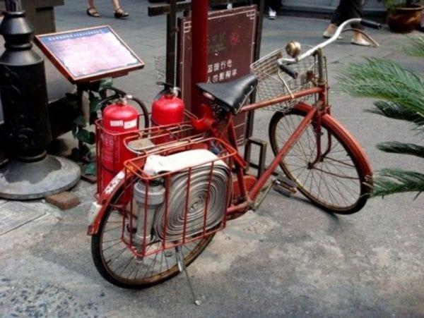 Пожарный велосипед в Азиатских странах
