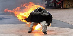 Тушение горящей одежды на человеке