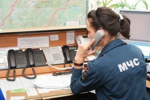 Диспетчер пожарной охраны принимает сообщение