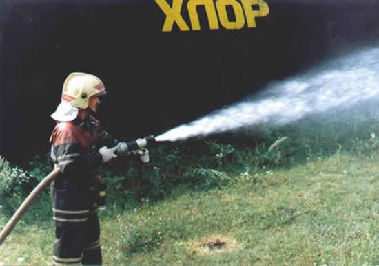 При аварии на химически опасном объекте