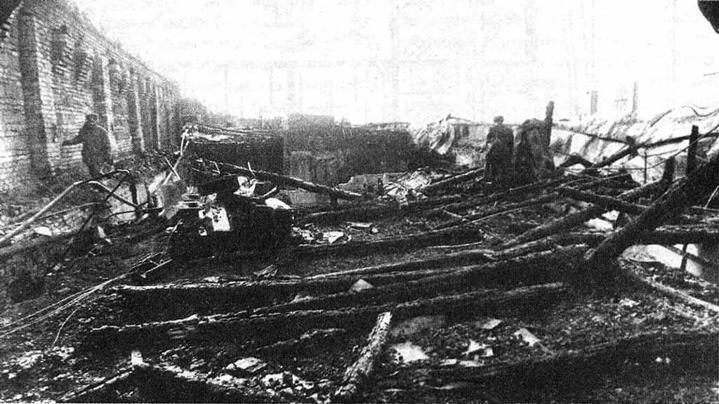 Сгоревший чердак СПб ВПТШ МВД России 1997 год