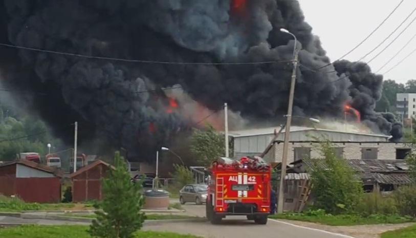 Пожар на лакокрасочном заводе в Новой Москве