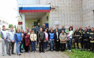 Установка-мемориальной-доски-Тихомирову-Дмитрию-Евгеньевичу-1