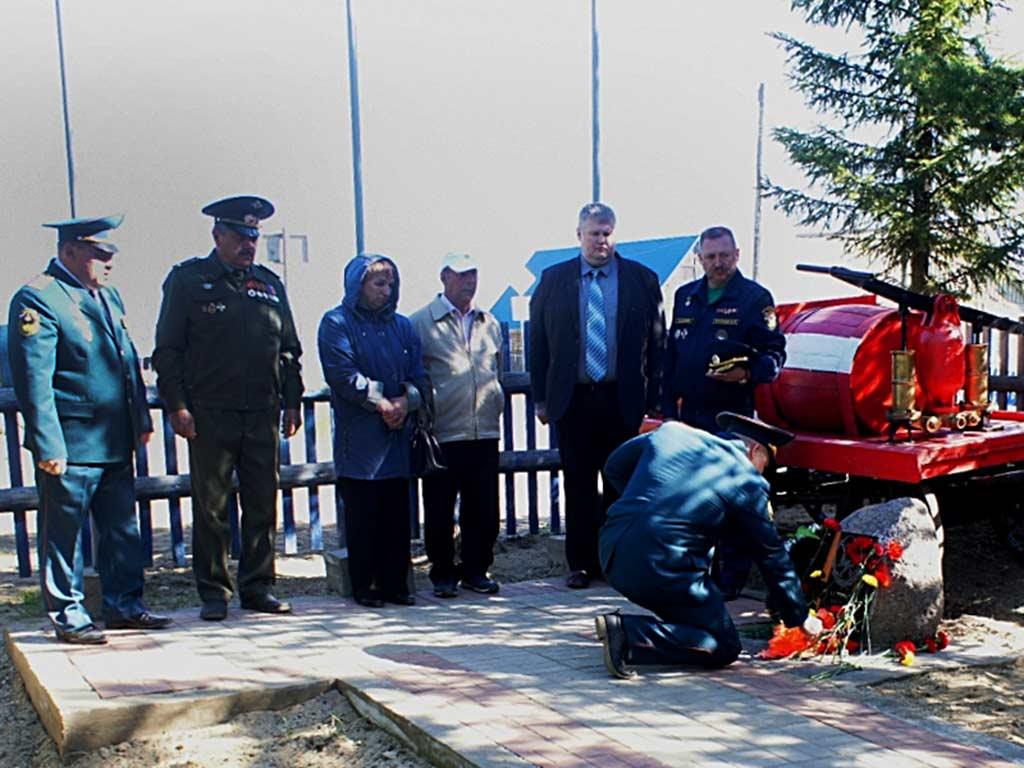 Открытие мемориальной доски памяти пожарного Ануфриева В.М.