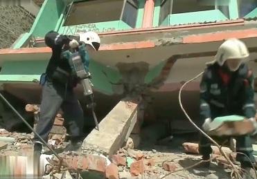 Работа спасателей при проведении АСР