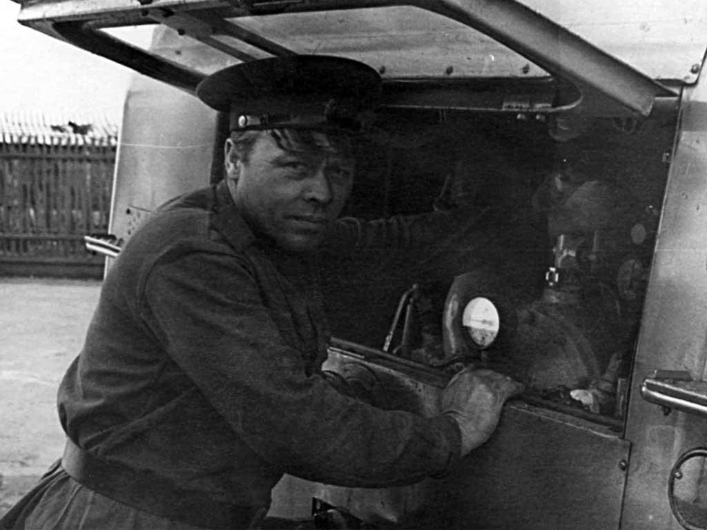 Водитель пожарного автомобиля Задорожный Григорий Маркович