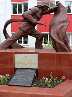 Памятник героям огнеборцам в Мордовии