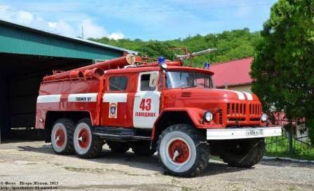 АЦ-40(131)модель 137(-137А) – полная масса 11050 кг