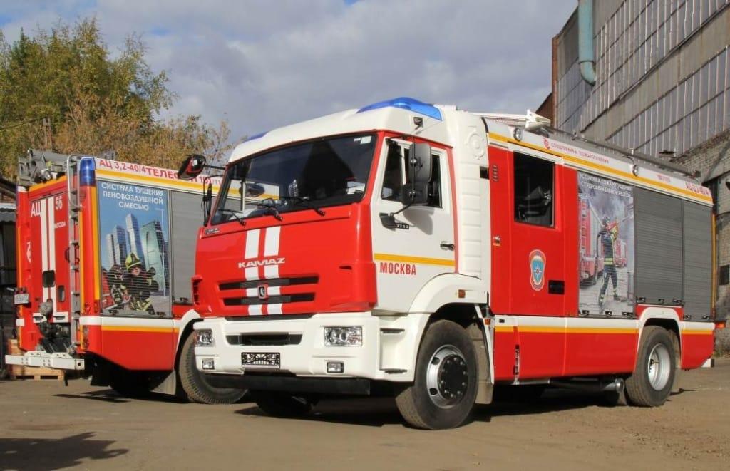 Пожарная автоцистерна АЦ-3,2-40-4 на шасси КамАЗ 43253 4х2