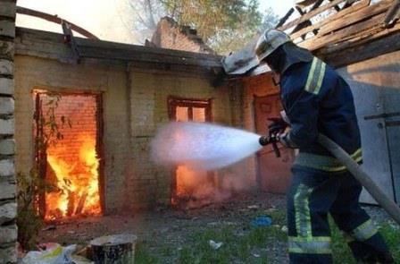 При тушении возгорания вОмске пострадали четверо пожарных
