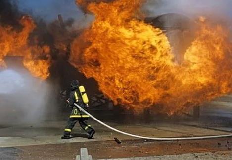 Тушение пожара на АЗС