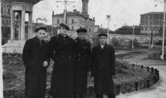 Сотрудники пожарной охраны г. Перми (1950 год, на заднем плане пожарная каланча)