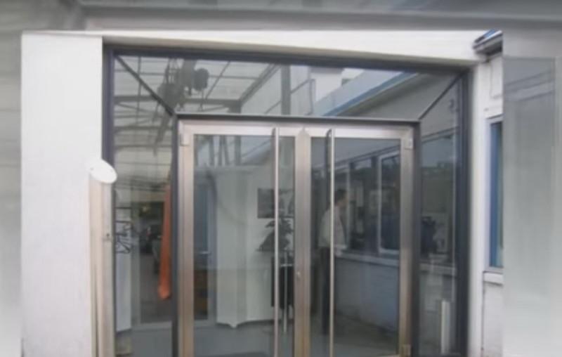 Противопожарные светопрозрачные конструкции (двери)
