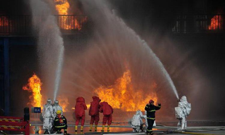 Тушение техногенного пожара