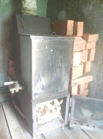 Печь в бане из металла