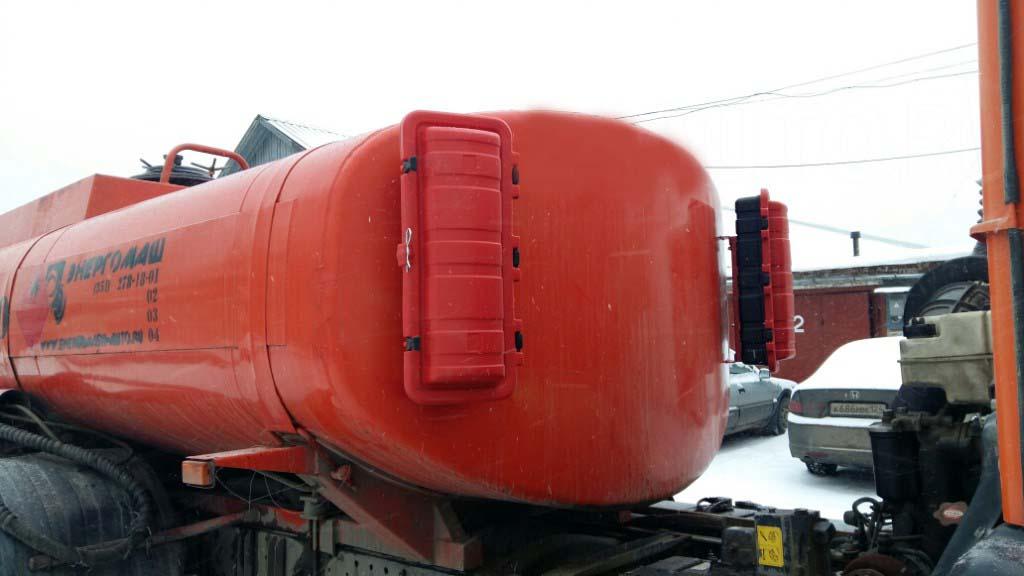 Пенал для огнетушителя на бензовозе