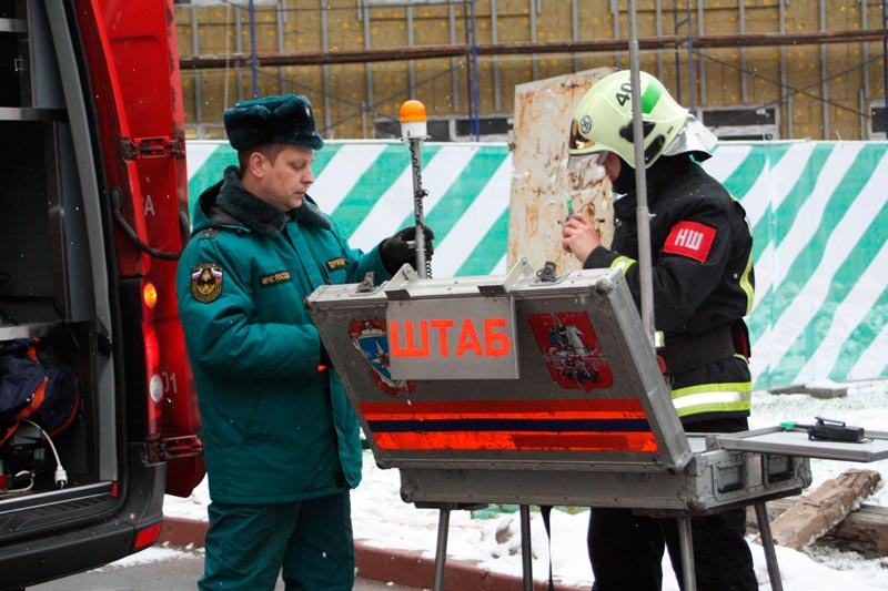 Оперативный штаб на месте пожара