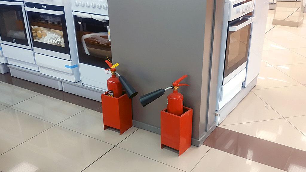 Напольная подставка под огнетушитель