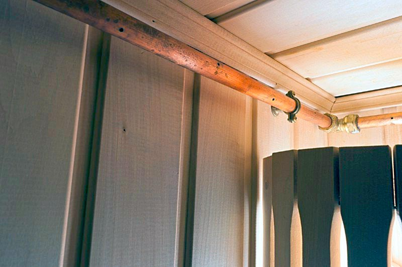 Перфорированный трубопровод - сухотруб в сауне