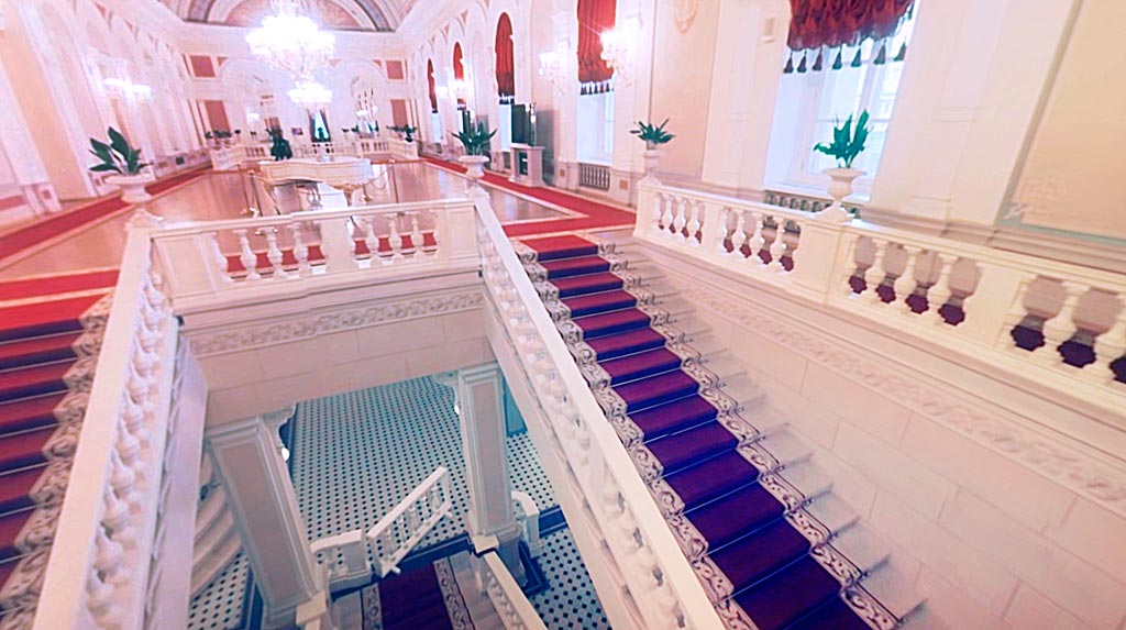 Внутренняя открытая лестница