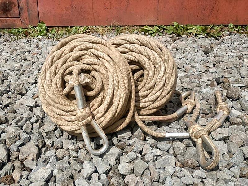 Веревки пожарные спасательные смотанные в клубок