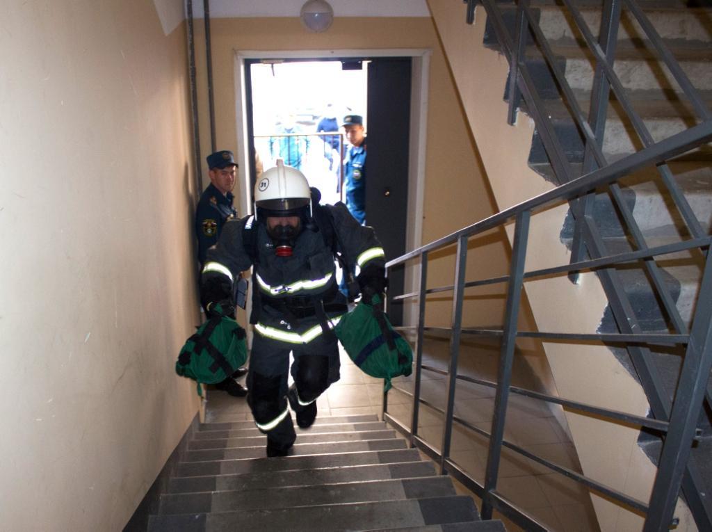 В Республике Алтай завершились соревнования среди пожарных МЧС России «Вертикальный вызов»