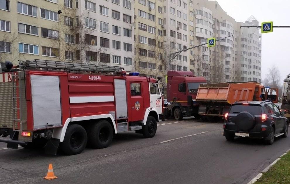 Пожарный автомобиль и дтп