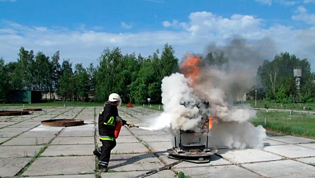 Тушение модельного очага пожара ОП-3
