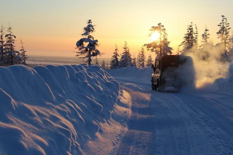 Подразделения МЧС России обеспечивают безопасность граждан на зимниках