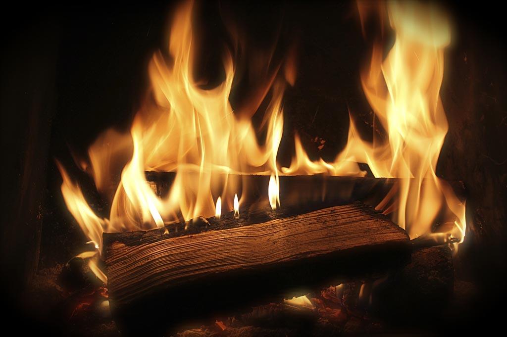 Горючая среда (горение древесины)