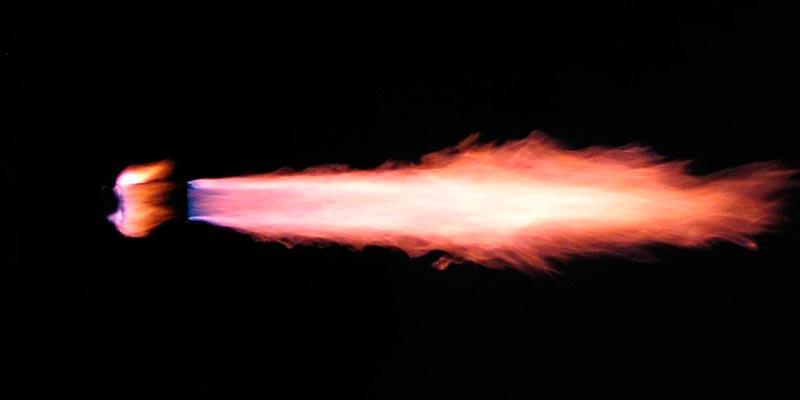 Распространение пламени в воздухе