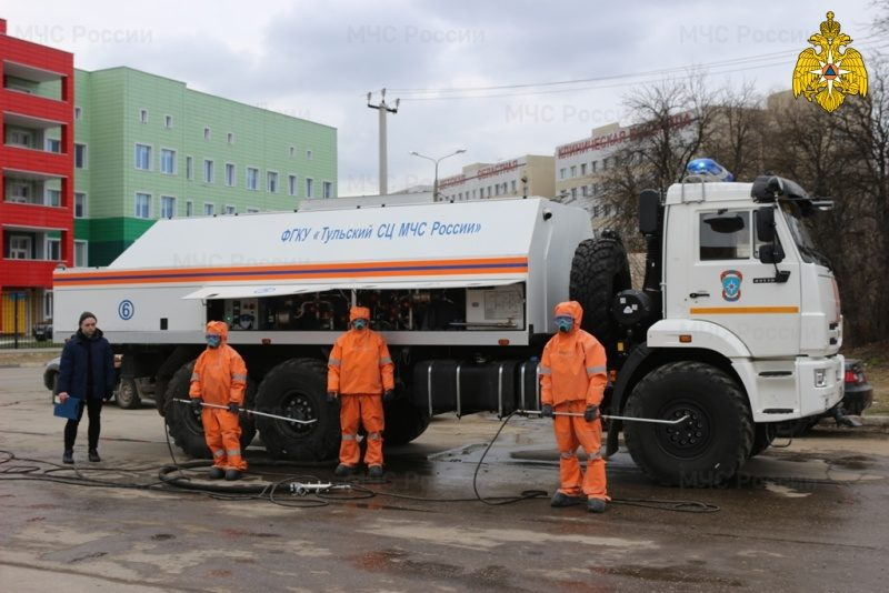 Подразделения МЧС России участвуют в дезинфекции социально-значимых объектов