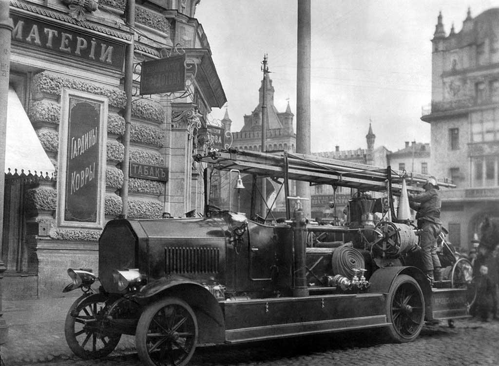 Пожарный автомобиль Мерседес-Даймлер