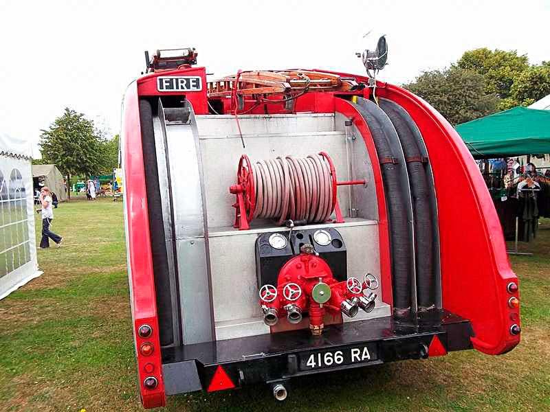 Пожарный автобус Leyland Titan