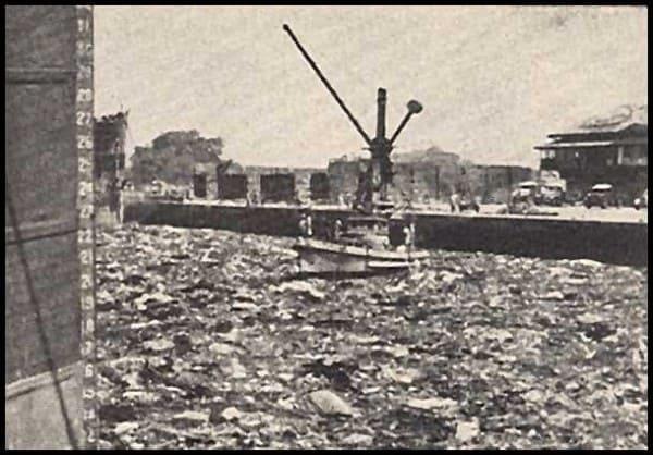 Разрушения после взрыва. Территория порта
