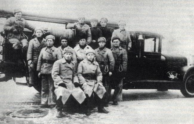 Пожарная команда по охране завода Красный Октябрь. Сталинград, 1924 год
