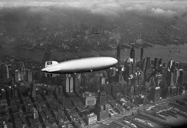 Дирижабль LZ-129 Гинденбург над Манхэттэном, 6 мая 1937 года