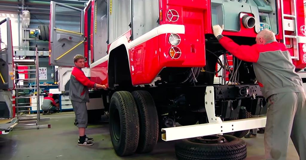 Установка надстройки на шасси пожарного автомобиля