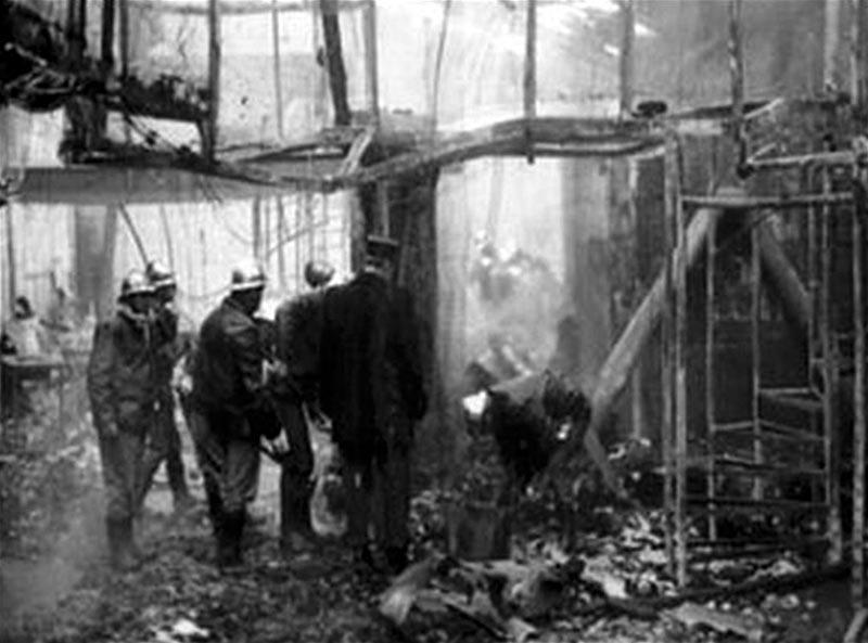 Разбор завалов на пожаре в дискотеке «5-7»