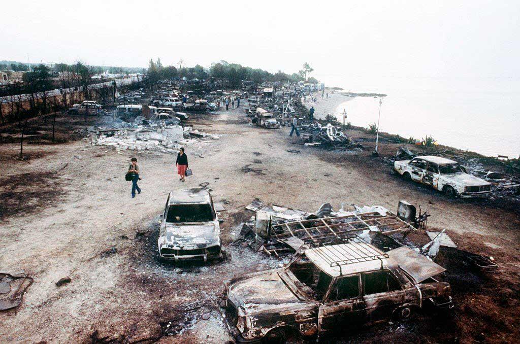 Последствия взрыва и пожара в кемпинге Лос-Альфакес