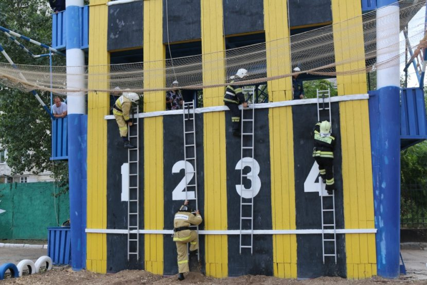 Устройство для перекатки пожарных рукавов