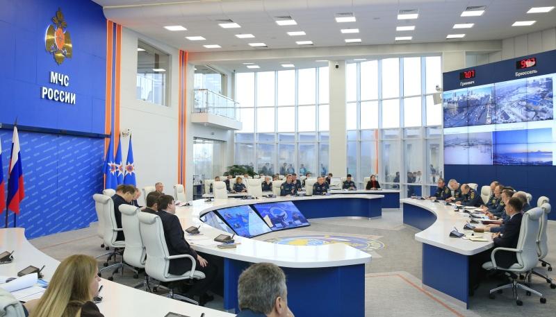 За неделю подразделениями МЧС России обеспечена безопасность 165 туристских групп общей численностью свыше 2 400 человек в 27 субъектах